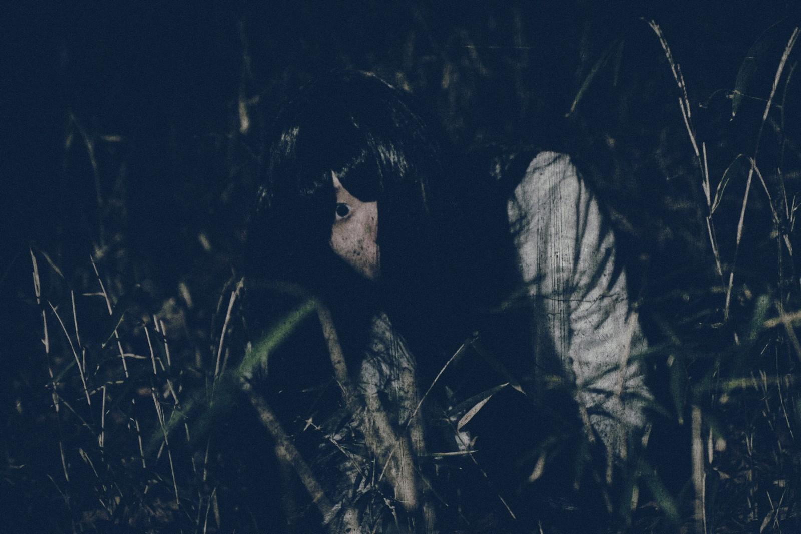 大谷池の山道で!友達が見た恐怖の女性の霊とは?