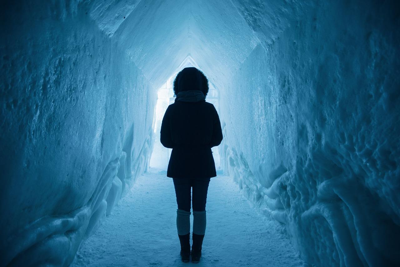 旧犬鳴トンネルは無数の霊の住処!霊感のある私がみたもの
