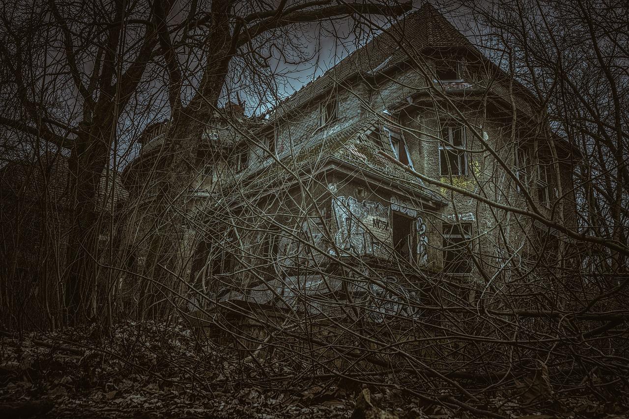 相模湖の廃墟と化したリゾートホテル地下二階で起きた逃げ場のない心霊現象