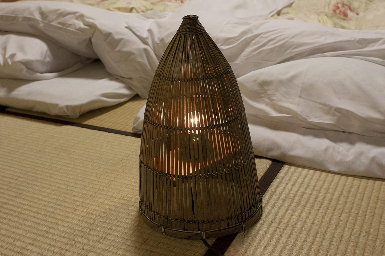私と母が鎌倉の海沿いの古い旅館で体験した怖いはなし