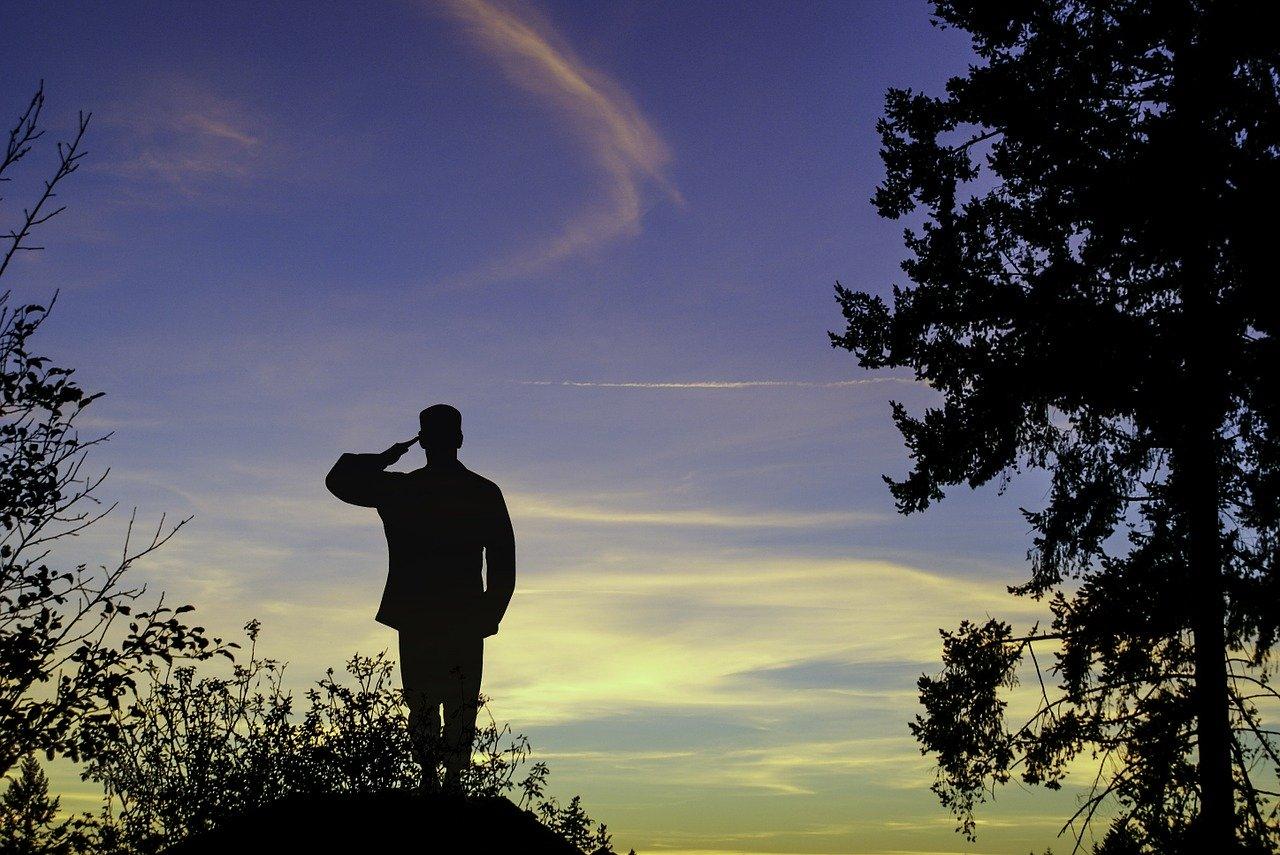 戦争で亡くなった兵士の亡霊が私に乗り移った!終戦記念日に憑依した話