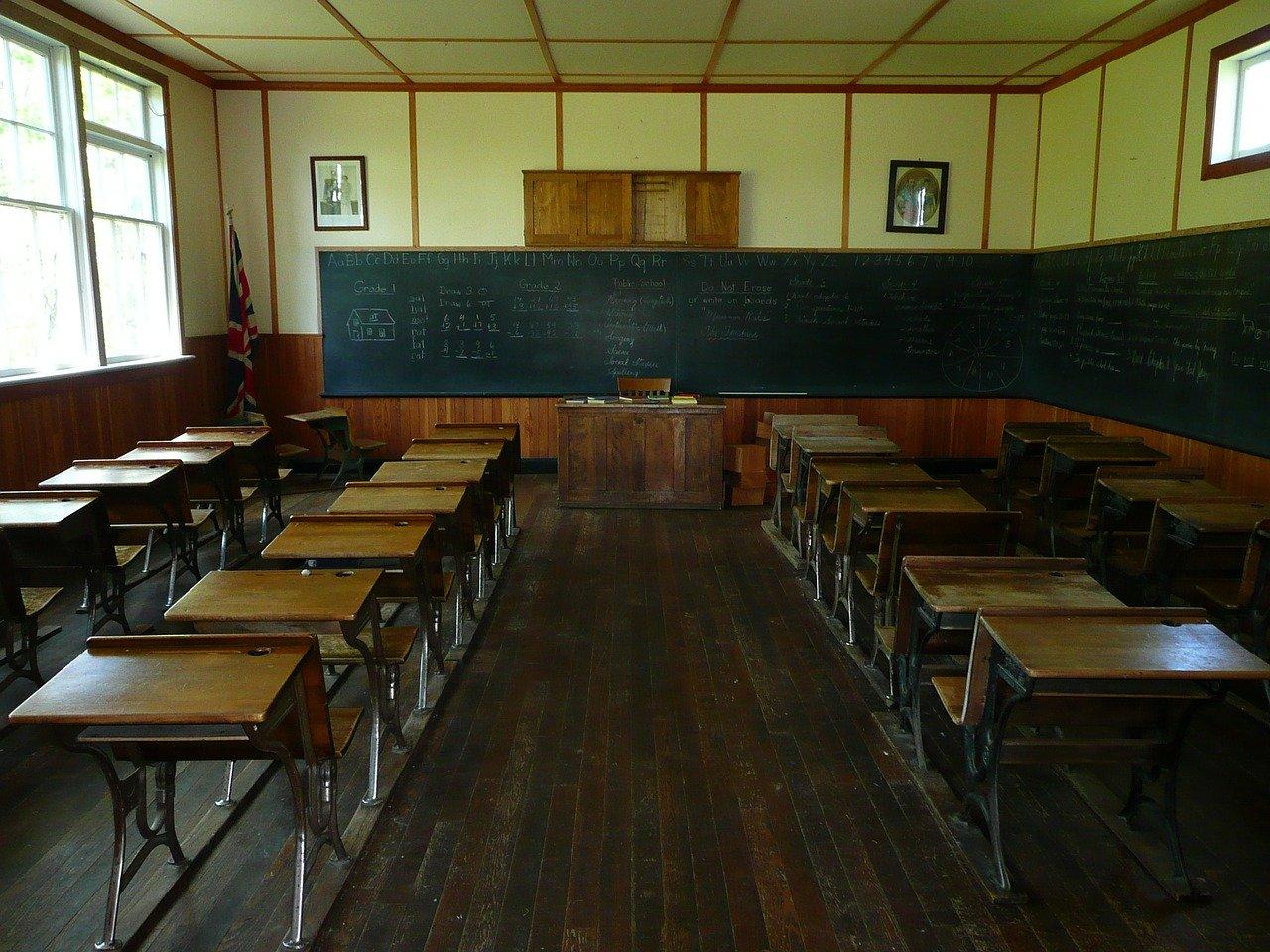 母校で心霊に遭遇!学校に現れた白血病で死んだ3年生の武田君